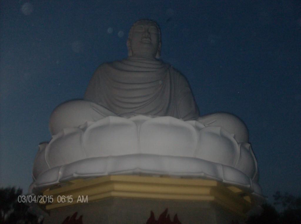 Dorset 0304 - Buddah statue - HPIM7023